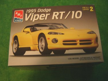 1995 Dodge Viper RT/10 model kit AMT ERTL 1/25 scale Skill Level 2 ages 8+ opened box