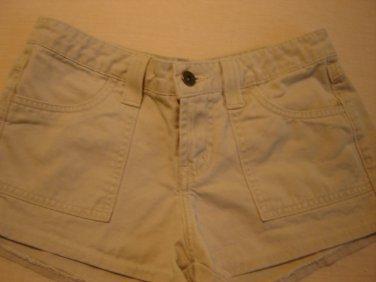 l.e.i. khaki shorts junior size 1 low rise excellent condition