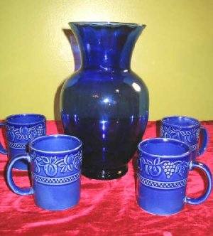 Cobalt Blue Glass Vase 4 Ceramic Cups Ambiance