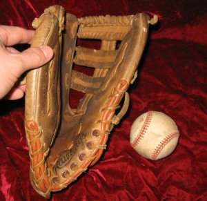 Rawlings Darryl Strawberry 1445 Fastback Baseball Glove