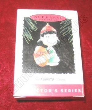 1994 Hallmark Keepsake Ornament The Peanuts Gang Lucy