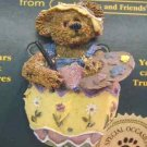 New Boyds Bear Bearwear Eggbert the Artist Pin 81502 Retired