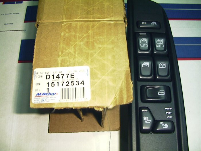 GMC Jimmy 2002 S,T, Left side Pwr Wdo and Dr.Lock Switch 15172534  15179988  15101661