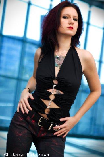 Black Sexy O-Ring Halter Top