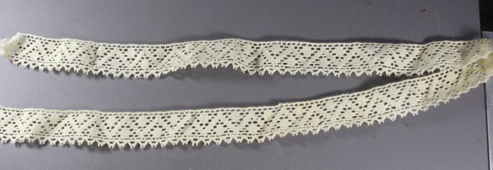 32 Inches Handmade Lace Edging, 1 Inch Wide