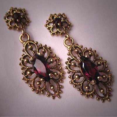 Vintage Victorian Etruscan Gold Earrings Antique Garnet 14K