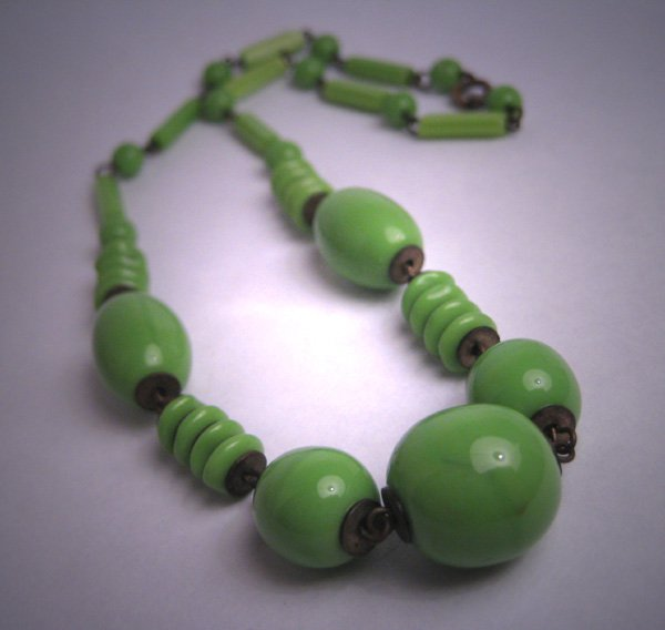 Antique 1920-30's Czech Jade Art Glass Beaded Necklace Flapper Vintage Art Deco