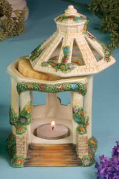 "Thomas Kinkade ""Hidden Gazebo""Wax Warmer"