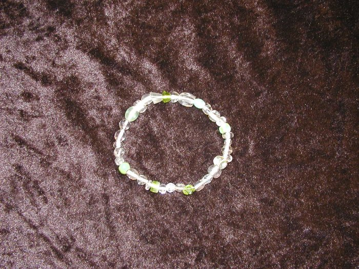 Green & Clear Glass Bead Bracelet: Stretch