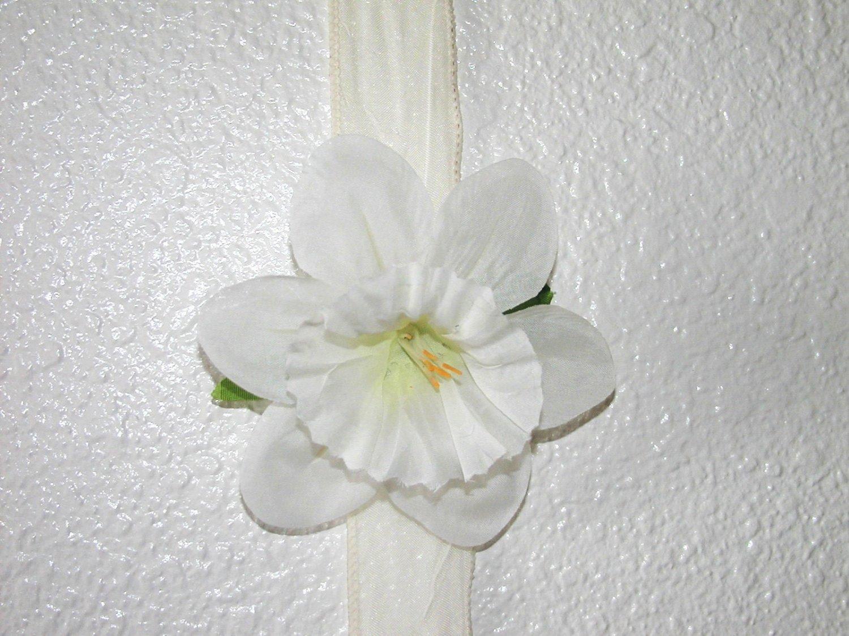 White Daffodil Hair Clip