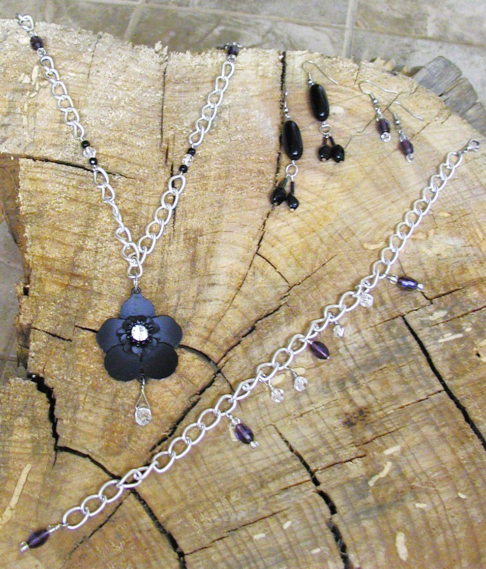 Black Buttercup - Full Jewelry Set