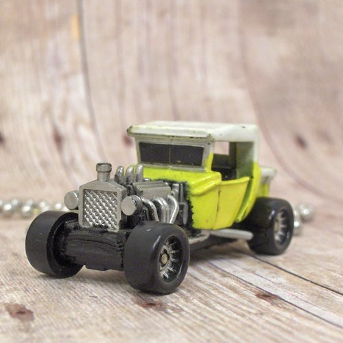 Model T Ford : Necklace