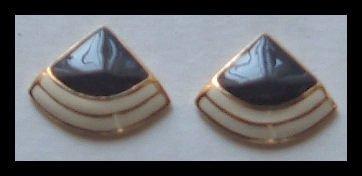"""BLACK & WHITE ENAMELED G/T HUGGIE PIERCED EARRINGS .75"""" NOS VINTAGE 1980s"""