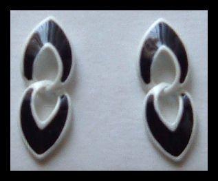 """BLACK & WHITE ENAMELED DANGLE PIERCED EARRINGS 1.25"""" NOS 1980s VINTAGE"""