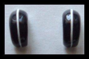 """BLACK & WHITE ENAMELED HUGGIE PIERCED EARRINGS .75"""" 1980s VINTAGE"""