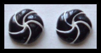 """PINWHEEL BLACK and WHITE ENAMELED HUGGIE PIERCED EARRINGS .75"""" 80s VINTAGE"""