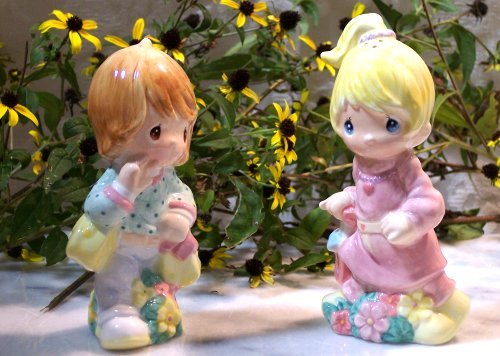 Precious Moments Girlfriends Shopping Salt & Pepper Shakers