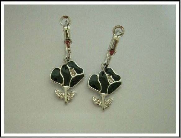 E30 Trendy Black Rose With Czech Rhinestone