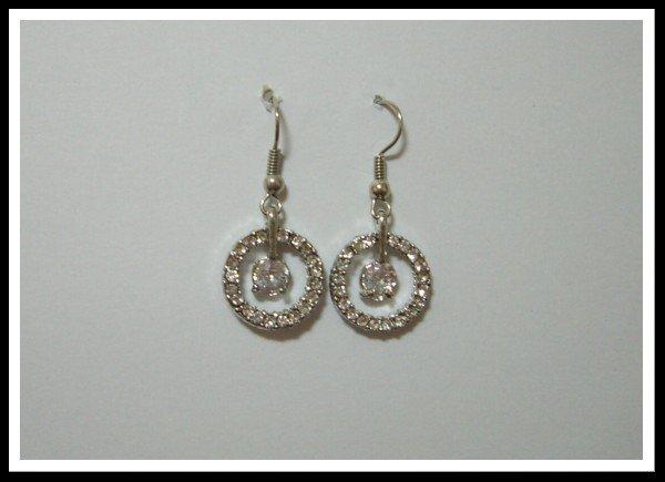 E47 Elegant Twine Circle Earrings With Rhinestone
