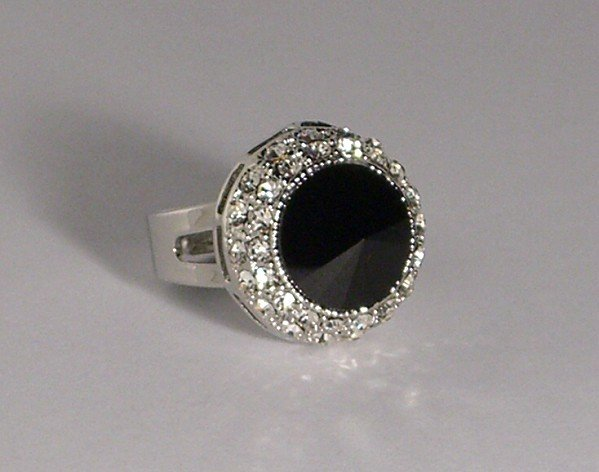 Classic Elegant Rings with Swarovski Crystal