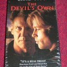 VHS - The Devils Own Rated R starring Brad Pitt and Harrison Ford