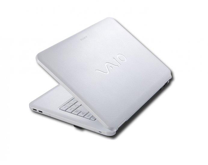 Sony - VAIO Laptop with Intel® Centrino® / 3GB DDR2 / 250GB HD - Silk White
