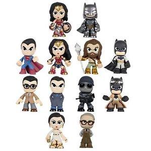 Batman vs Superman: Dawn of Justice 4 random pieces Mystery Minis Vinyl Figures