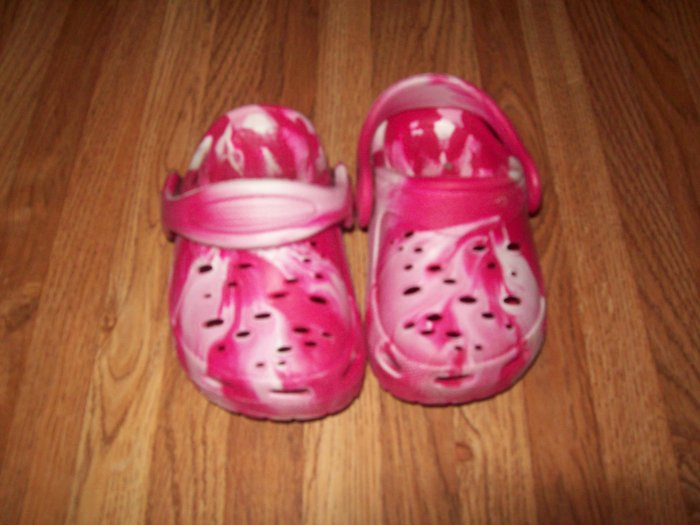 Pink and White Swirl Faux Croc Infant Girl Shoes Size 4 UK FREE SHIPPING