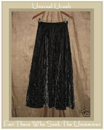 Stunning Long Full Floral Velvet Skirt Small S