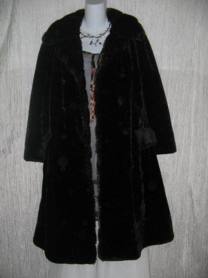 Vintage Long Shapely Thick Black Borgana Velvet Coat w Faux Fur Trim OS