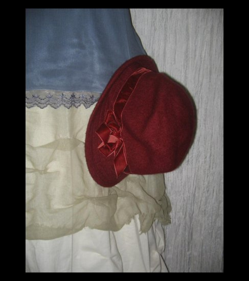 NEW Liz Claiborn Rich Berry Velvet Ribbon Wool Hat