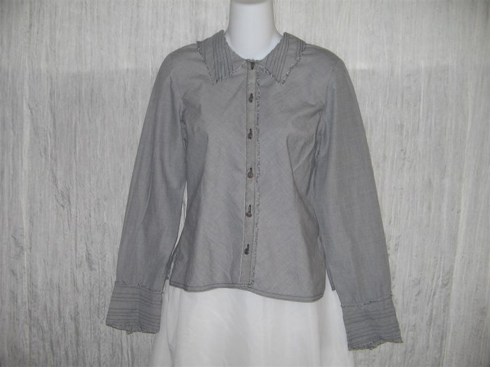 Neesh by D.A.R. Shapely Gray Raw Edge Pin Tuck Button Shirt Top Medium M