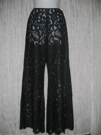 Art to Wear Boutique Shapely Black Lace Floods Pants Gauchos Small S