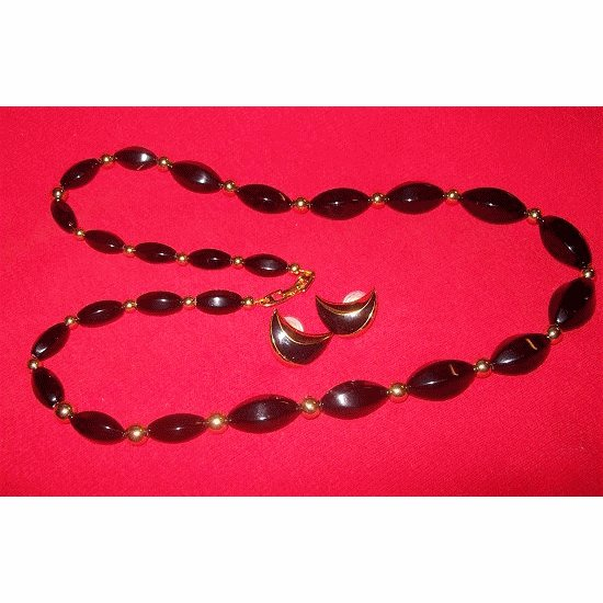 Vintage NAPIER Black and Gold Beaded Jewelry Set ~~ FREE SHIPPING ~~