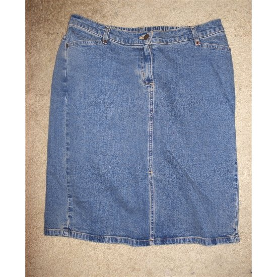 LIZ LANGE MATERNITY Denim Maternity Skirt Size 10