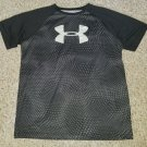 UNDER ARMOUR Black Print Short Sleeved Heat Gear Top Boys YXL Size 18-20