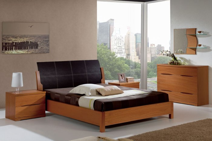 Natural Wood Modern Bedroom Set With Black Leather Headboard