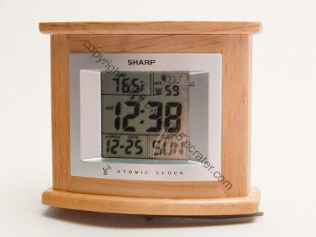 Sharp Atomic Desk Clock in Natural Wood Sharp Accurate Timekeeping NIB