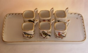 Porcelain tray with cups