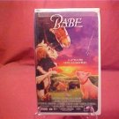 BABE VHS VIDEO A LITTLE PIG GOES A LONG WAY