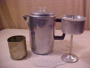 VINTAGE ALUMINUM PERCULATOR COFFEE POT