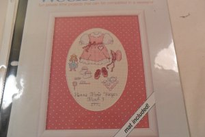 2 CROSS STITCH PATTERN ARE LITTLE GIRL AND HEARTS ENTWINED