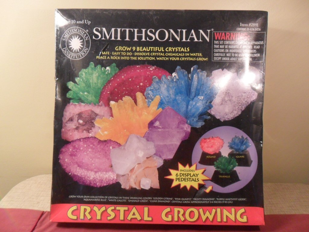 NIB Smithsonian Crystal Growing Grow 9 Beautiful Crystals