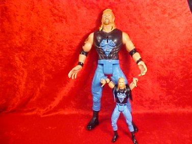 2 WCW DIAMOND DALLAS PAGE TALKING ACTION FIGURE