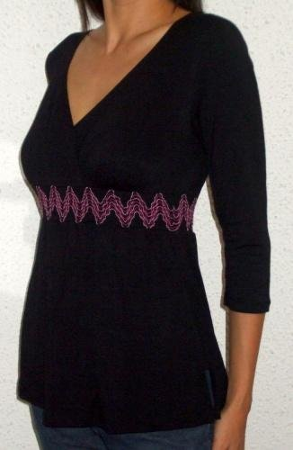 Ariel Smocked Tunic (black/burgundy)