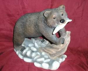 "BROWN BEAR W/ SALMON 11"" Garden Statue"