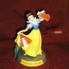 Walt Disney SNOW WHITE Shopping PRINCESS Figurine