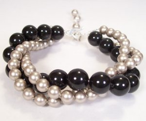 Twisted Swarovski Pearl Bracelet in Mystic Black and Platinum Pearls