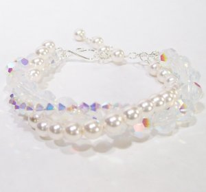 White Pearl and Crystal Bridal Bracelet jewelry - Wedding bracelet