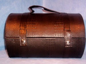 Brown, Round Barrel Purse, Item # 07-001005060008